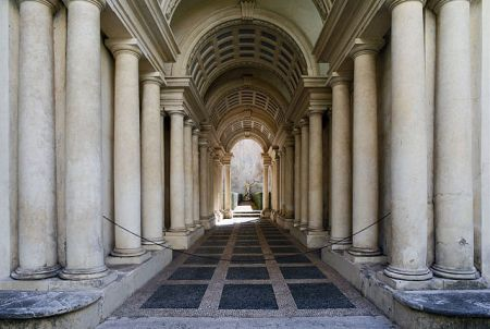 640px-forced_perspective_gallery_by_francesco_borromini