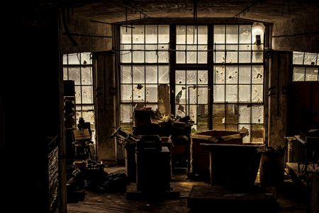 640px-peters_cartridge_factory_interior_1