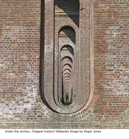 Under_the_arches,_Chappel_Viaduct_(geograph_3984035)